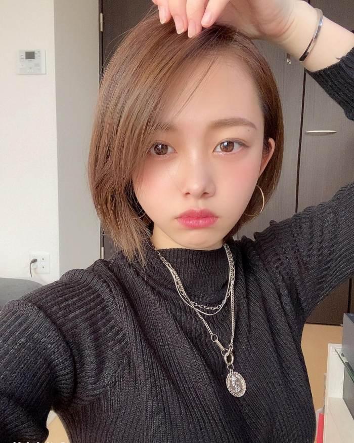 【新田あゆなグラビア画像】ショートカットが似合って可愛いミスコン美少女 78
