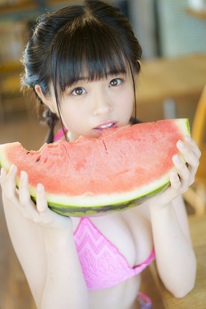 【西葉瑞希エロ画像】平成最後のロリ巨乳と称される童顔アイドルのグラビア! 25