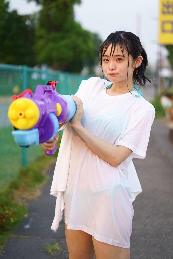 【西葉瑞希エロ画像】平成最後のロリ巨乳と称される童顔アイドルのグラビア! 35