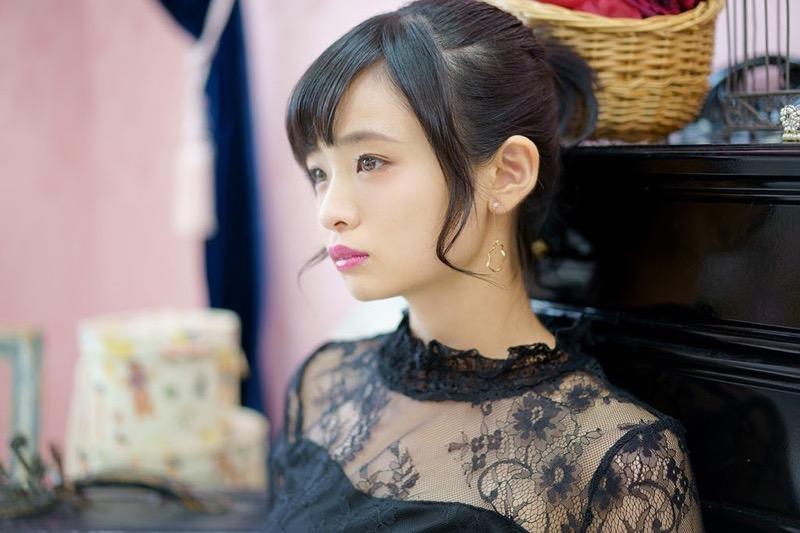 【西葉瑞希エロ画像】平成最後のロリ巨乳と称される童顔アイドルのグラビア! 50