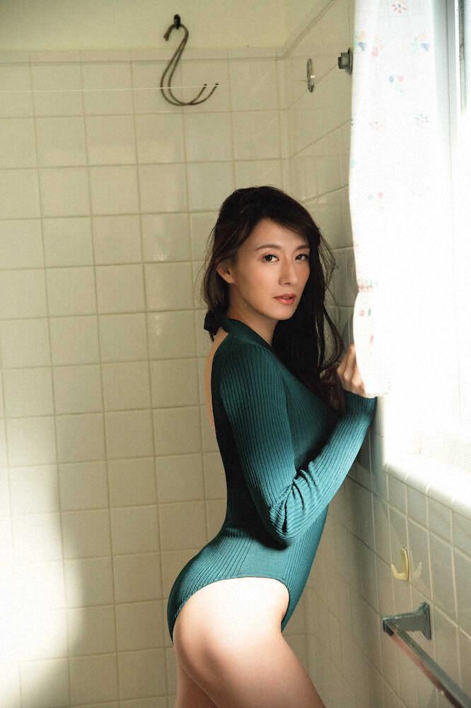 【大島由香里キャプ画像】着衣おっぱいとグラビアの谷間がエロい美熟女アナ! 24