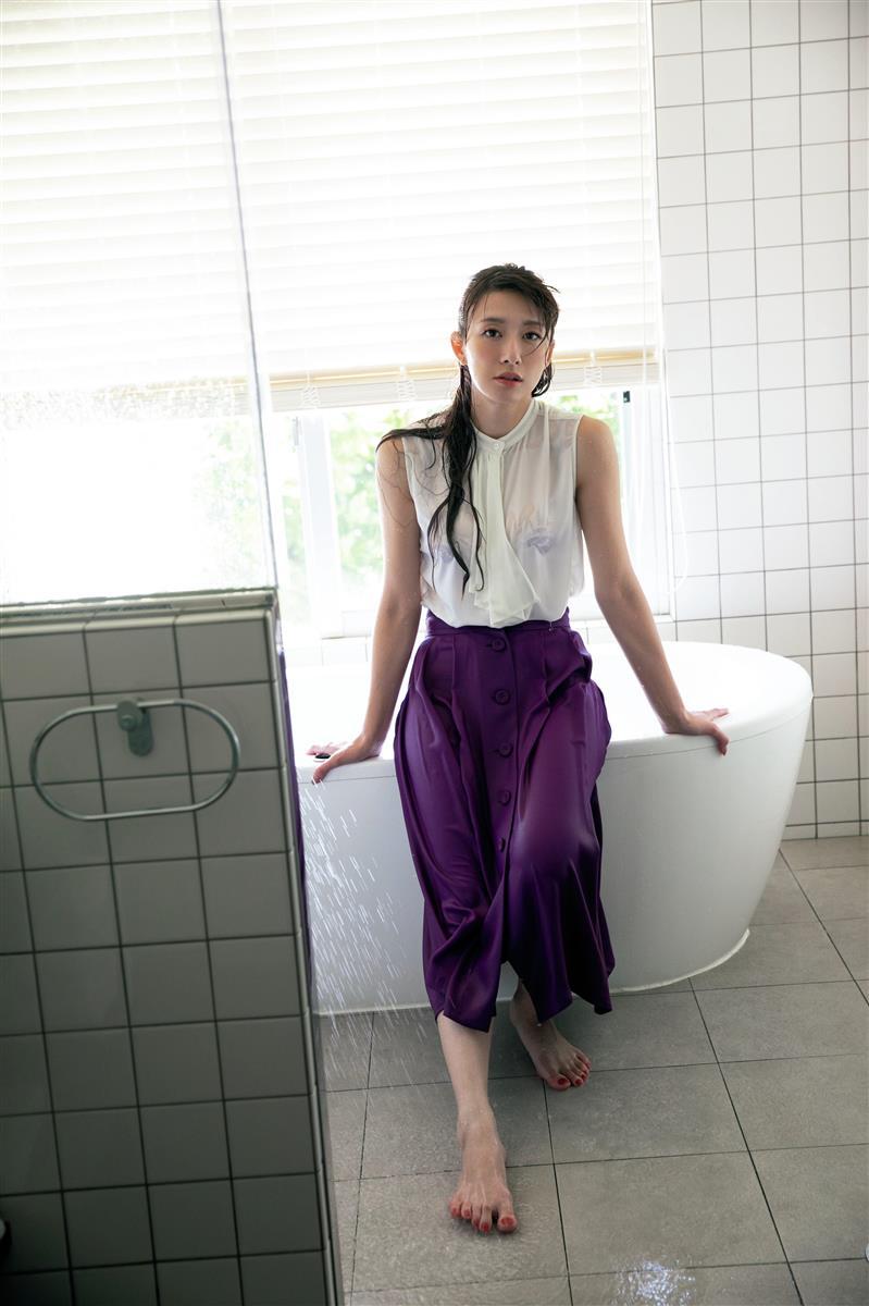 【大島由香里キャプ画像】着衣おっぱいとグラビアの谷間がエロい美熟女アナ! 26