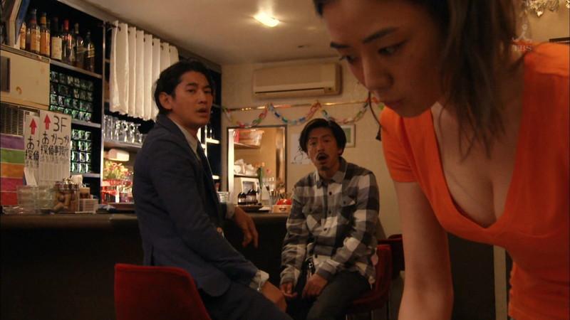 【片山萌美濡れ場画像】女優でタレントでグラドルもやってるGカップお姉さん 16