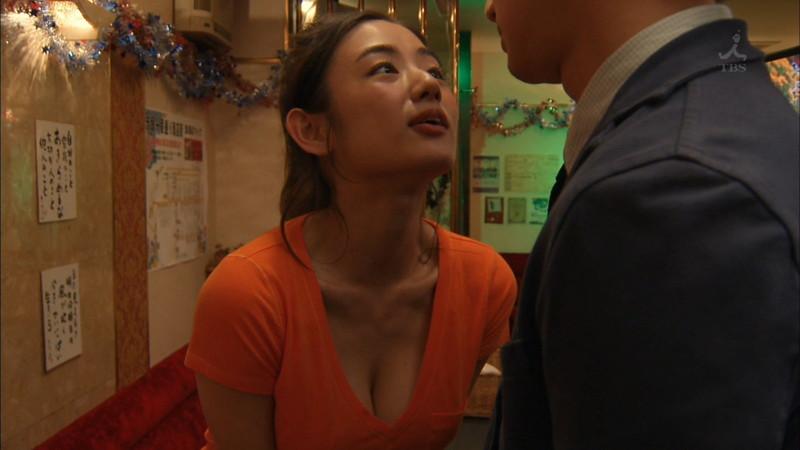 【片山萌美濡れ場画像】女優でタレントでグラドルもやってるGカップお姉さん 21