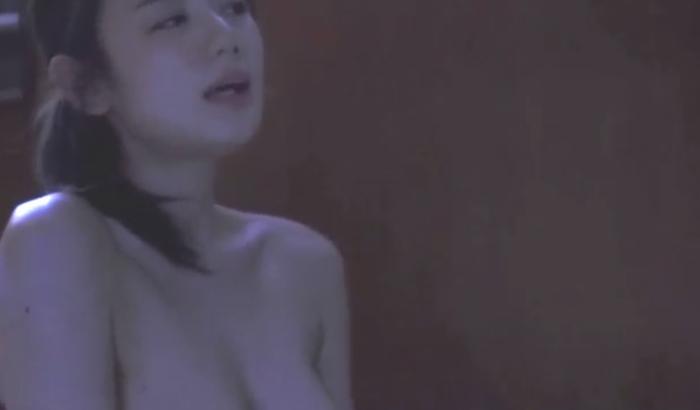 【片山萌美濡れ場画像】女優でタレントでグラドルもやってるGカップお姉さん 75