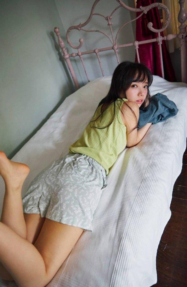 【齊藤京子グラビア画像】ビキニを着けると案外大きなおっぱいにドキドキ! 19