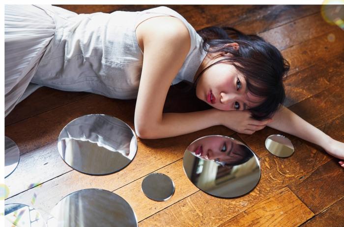 【齊藤京子グラビア画像】ビキニを着けると案外大きなおっぱいにドキドキ! 24