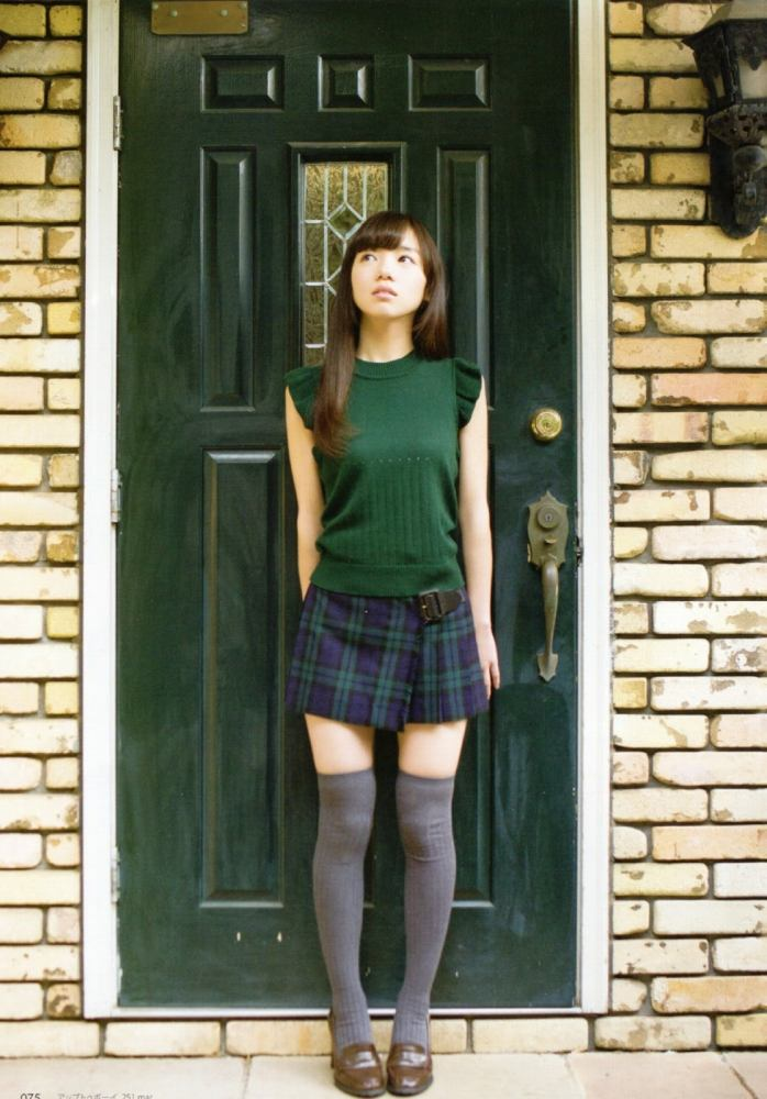 【齊藤京子グラビア画像】ビキニを着けると案外大きなおっぱいにドキドキ! 44