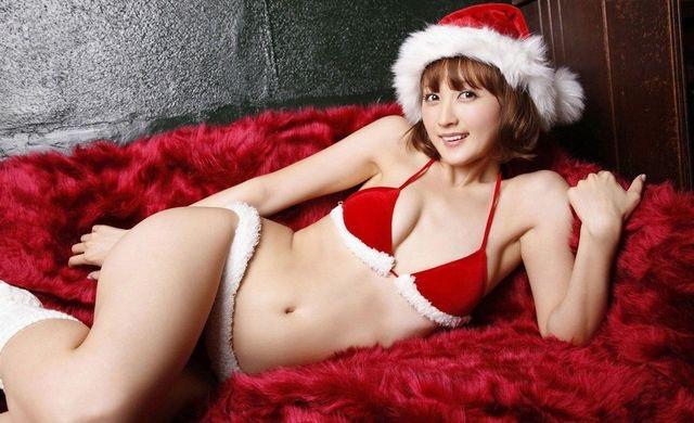 【コスプレエロ画像】クリスマスにサンタコスプレしたギャルとセックスしたい妄想!