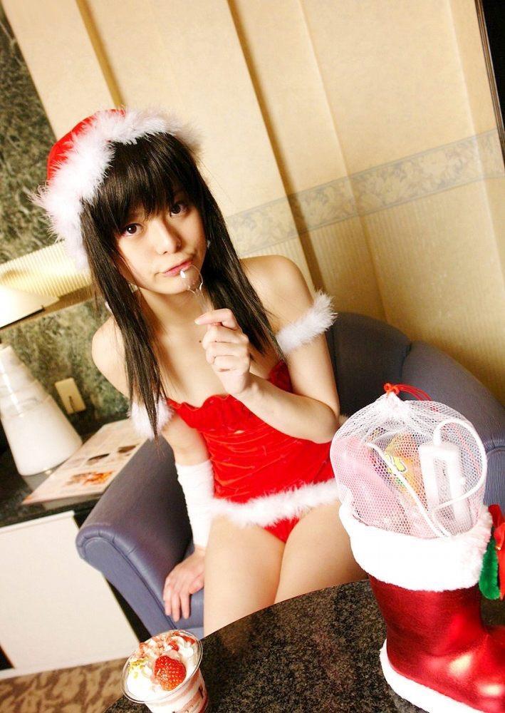 【コスプレエロ画像】クリスマスにサンタコスプレしたギャルとセックスしたい妄想! 74