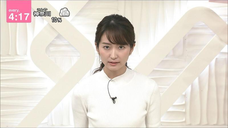 【女子アナキャプ画像】中島芽生さんのニット越しおっぱいや二の腕! 71