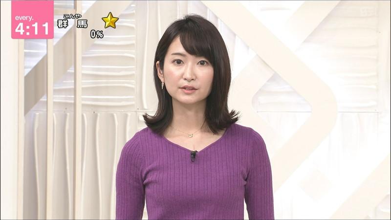 【女子アナキャプ画像】中島芽生さんのニット越しおっぱいや二の腕! 76