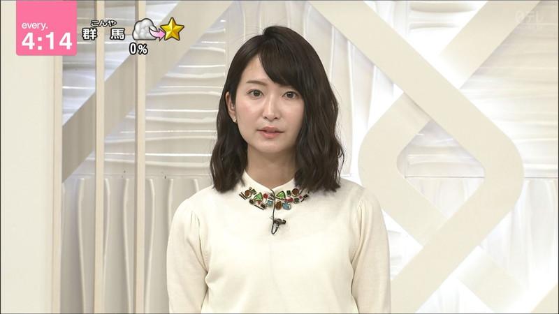 【女子アナキャプ画像】中島芽生さんのニット越しおっぱいや二の腕! 87