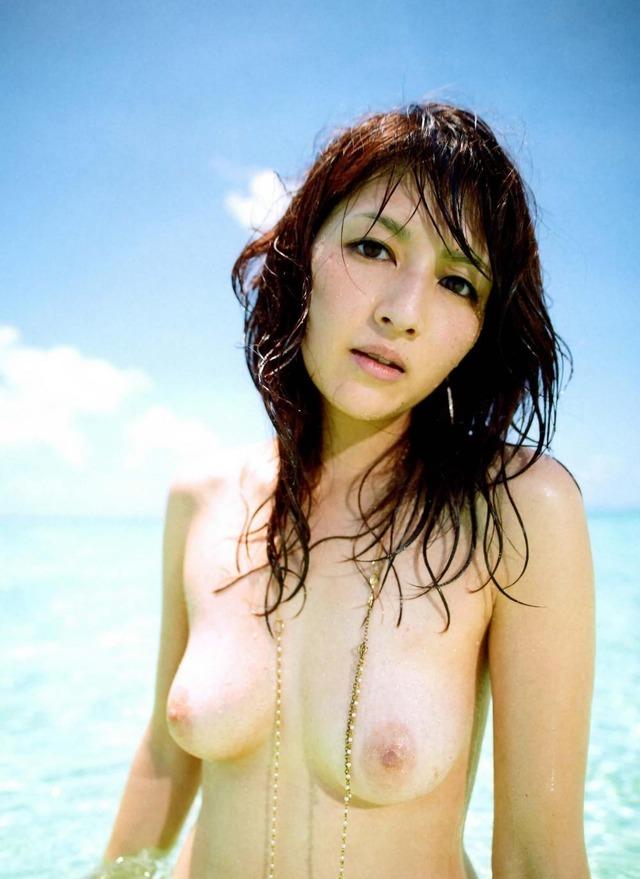 【吉井怜お宝画像】清純派アイドルだった現役女優の濡れ場とグラビア! 73