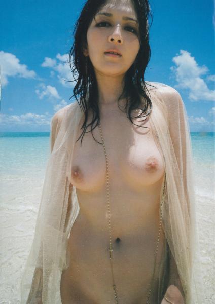 【吉井怜お宝画像】清純派アイドルだった現役女優の濡れ場とグラビア! 75