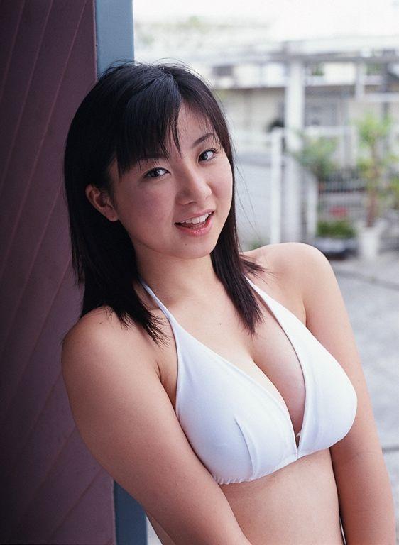 【吉川綾乃グラビア画像】Gカップ巨乳がド迫力なちょいぽちゃグラドル 08