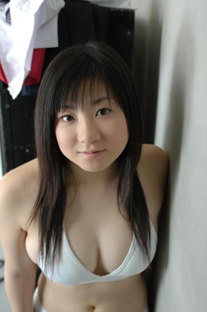 【吉川綾乃グラビア画像】Gカップ巨乳がド迫力なちょいぽちゃグラドル 12
