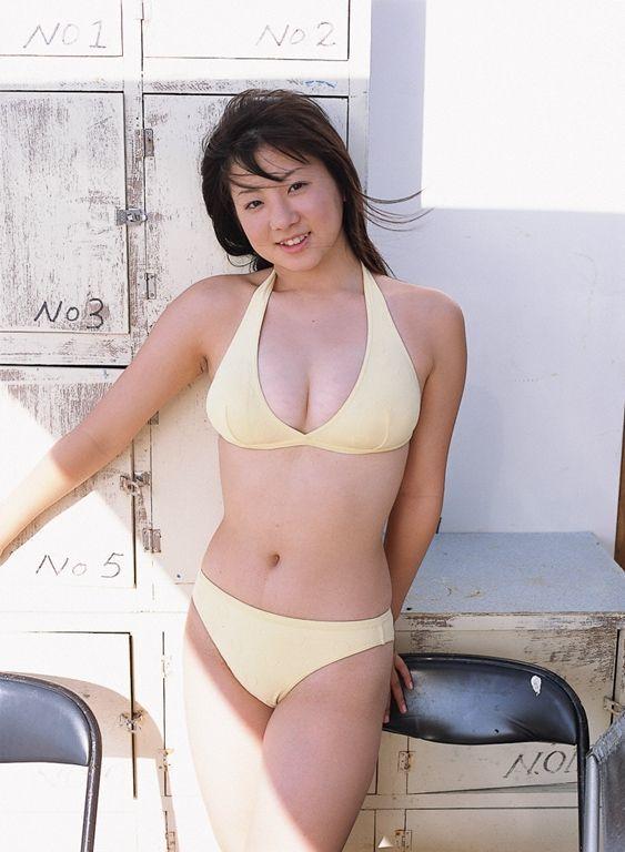 【吉川綾乃グラビア画像】Gカップ巨乳がド迫力なちょいぽちゃグラドル 21