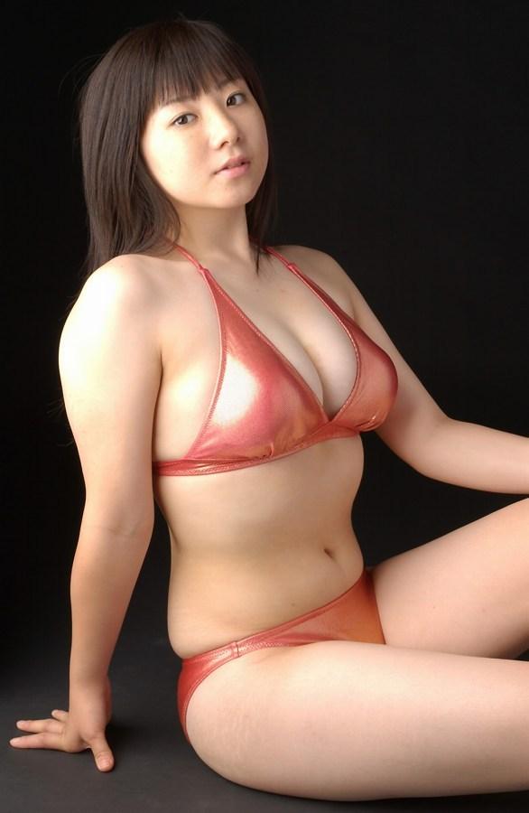 【吉川綾乃グラビア画像】Gカップ巨乳がド迫力なちょいぽちゃグラドル 26