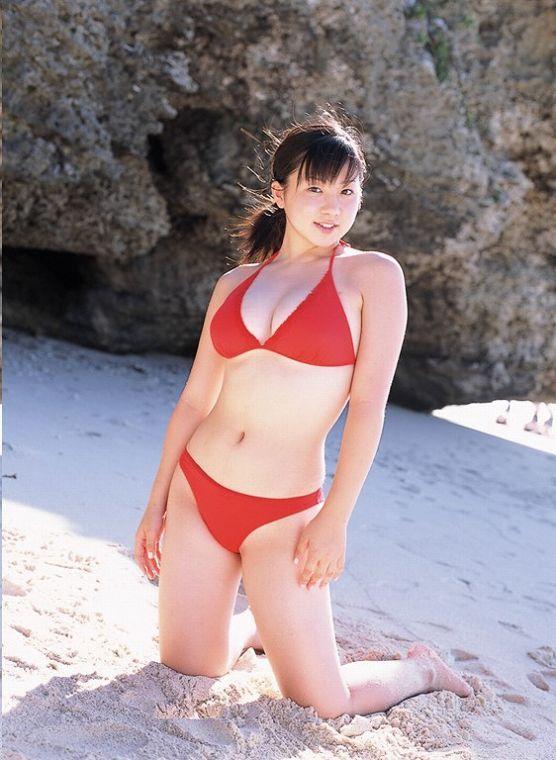 【吉川綾乃グラビア画像】Gカップ巨乳がド迫力なちょいぽちゃグラドル 77