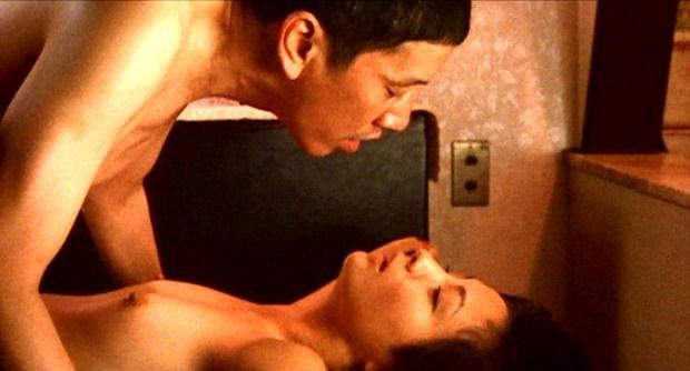 【吉本多香美お宝画像】父がウルトラマンで主人公をしてた親子2代女優の濡れ場!