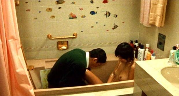 【吉本多香美お宝画像】父がウルトラマンで主人公をしてた親子2代女優の濡れ場! 06