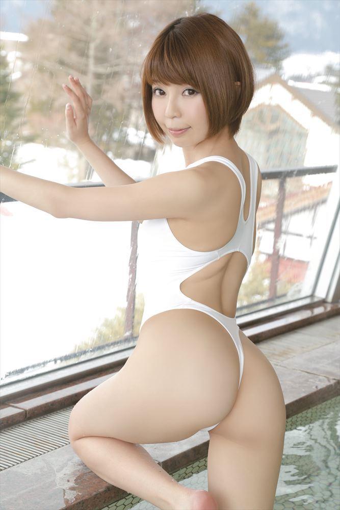 【吉田ユウお宝画像】茶髪ショートボブが似合って可愛いEカップグラドル 19