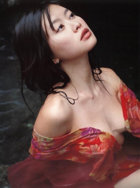 【吉野紗香お宝画像】チャイドルブームに火を付けたベテラン女優の現在は? 06