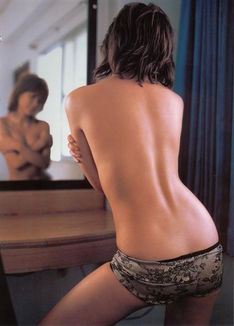 【吉野紗香お宝画像】チャイドルブームに火を付けたベテラン女優の現在は? 16