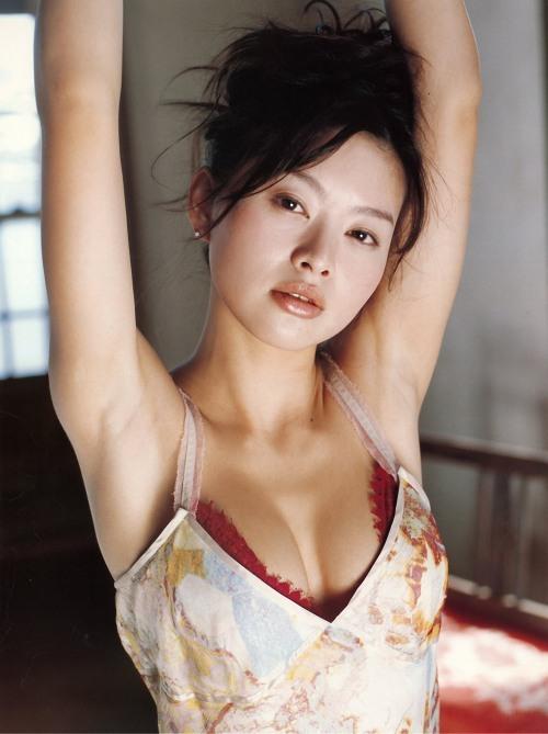 【吉野紗香お宝画像】チャイドルブームに火を付けたベテラン女優の現在は? 26