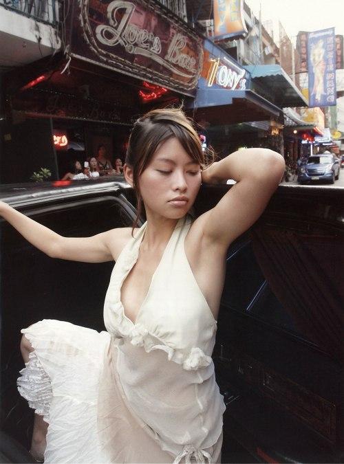 【吉野紗香お宝画像】チャイドルブームに火を付けたベテラン女優の現在は? 29
