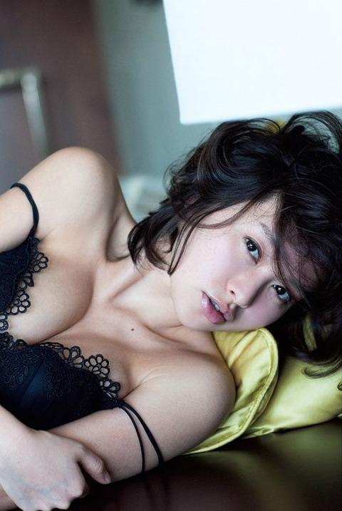 【吉野紗香お宝画像】チャイドルブームに火を付けたベテラン女優の現在は? 39