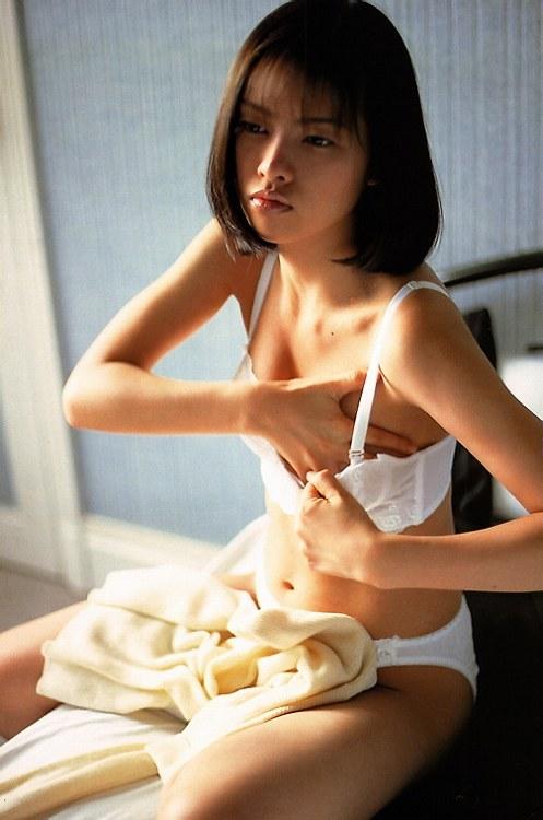 【吉野紗香お宝画像】チャイドルブームに火を付けたベテラン女優の現在は? 52