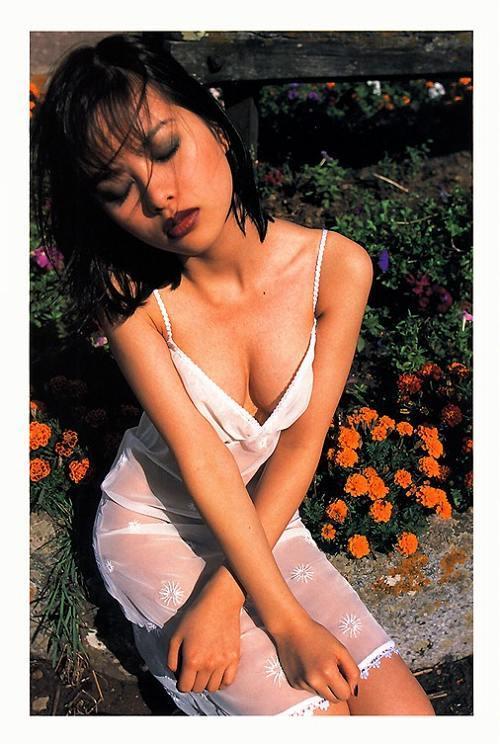 【吉野紗香お宝画像】チャイドルブームに火を付けたベテラン女優の現在は? 53
