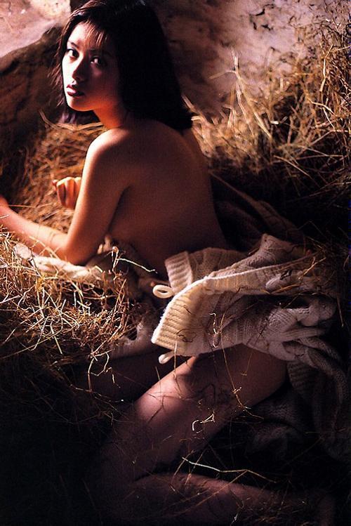 【吉野紗香お宝画像】チャイドルブームに火を付けたベテラン女優の現在は? 64
