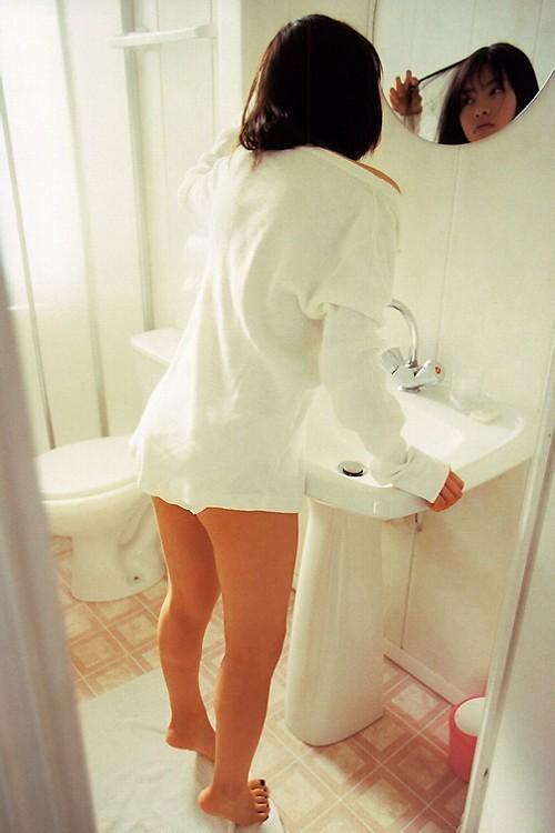 【吉野紗香お宝画像】チャイドルブームに火を付けたベテラン女優の現在は? 65