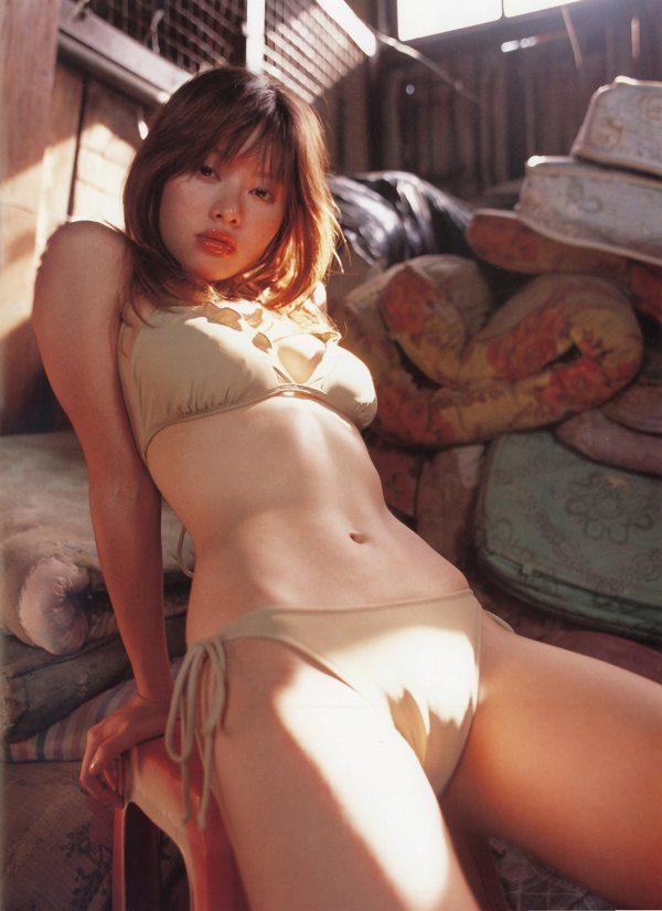 【吉野紗香お宝画像】チャイドルブームに火を付けたベテラン女優の現在は? 71