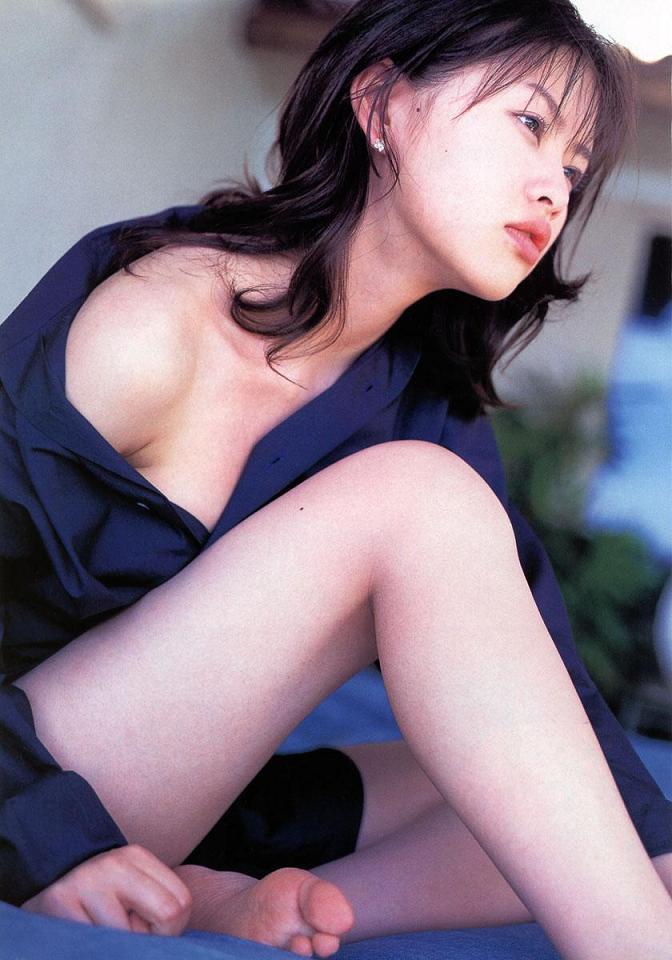 【吉野紗香お宝画像】チャイドルブームに火を付けたベテラン女優の現在は? 77