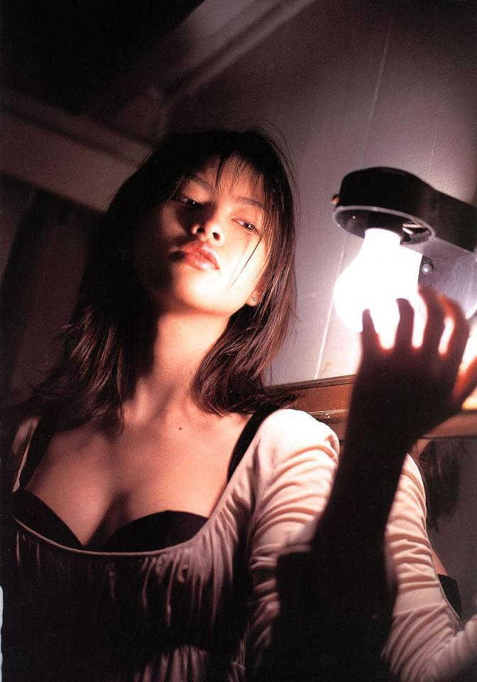 【吉野紗香お宝画像】チャイドルブームに火を付けたベテラン女優の現在は? 79