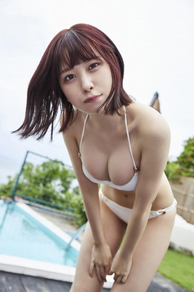【宮内凛グラビア画像】色白肌が綺麗なスレンダー美少女の水着姿がエロい 29