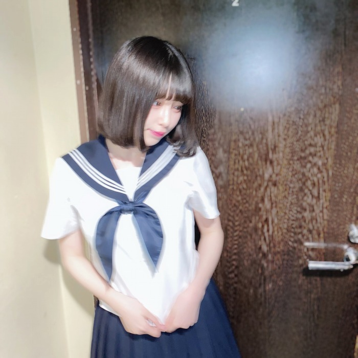 【宮内凛グラビア画像】色白肌が綺麗なスレンダー美少女の水着姿がエロい 62
