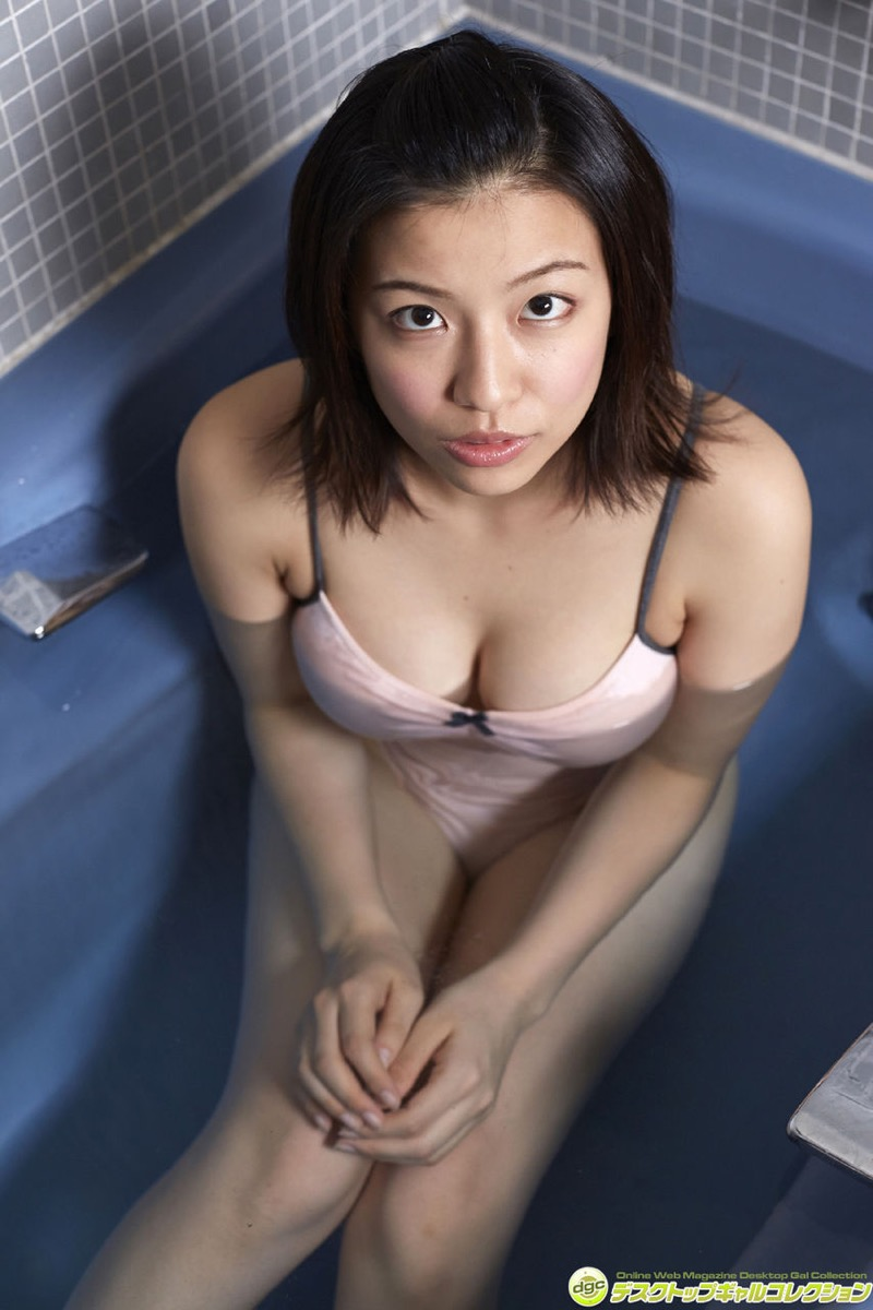 【辻柚音グラビア画像】消えたFカップ巨乳ボディグラビアアイドルの謎 21