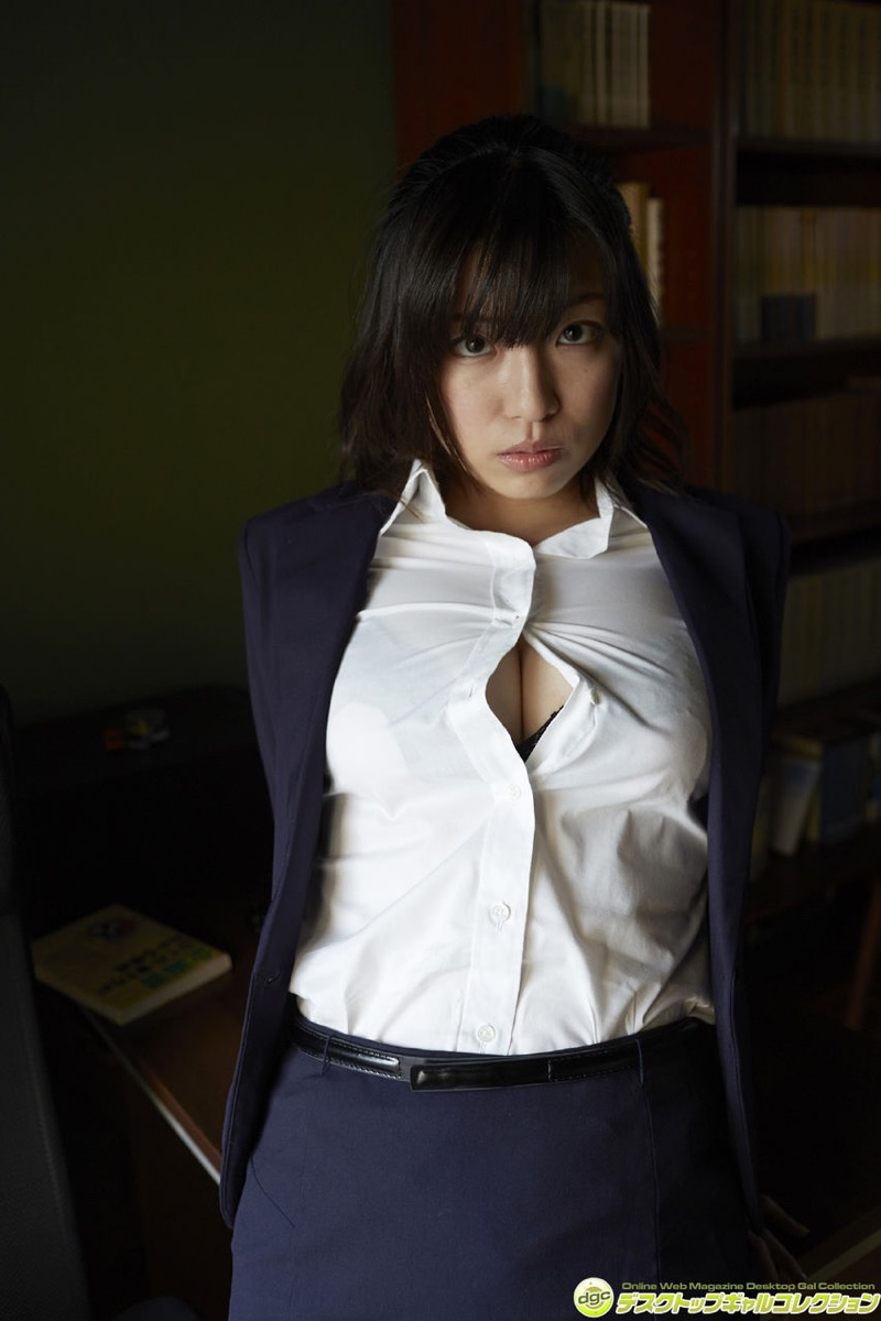 【辻柚音グラビア画像】消えたFカップ巨乳ボディグラビアアイドルの謎 26