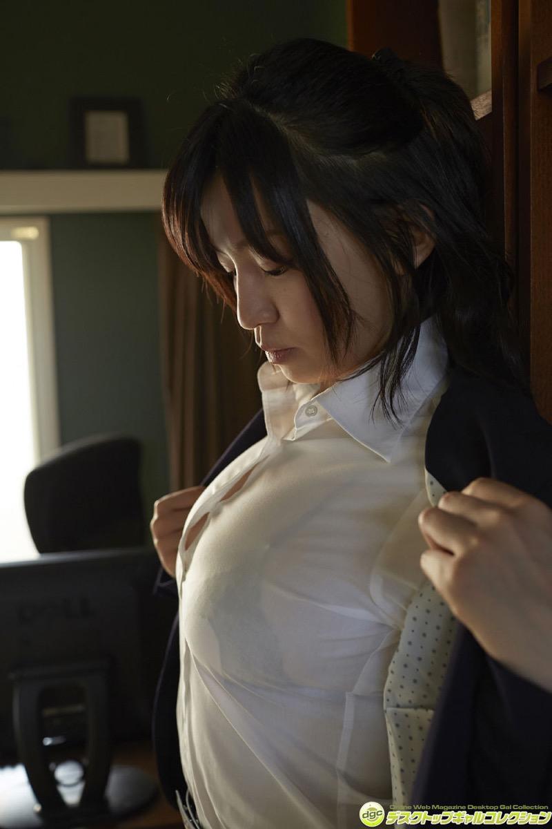 【辻柚音グラビア画像】消えたFカップ巨乳ボディグラビアアイドルの謎 27