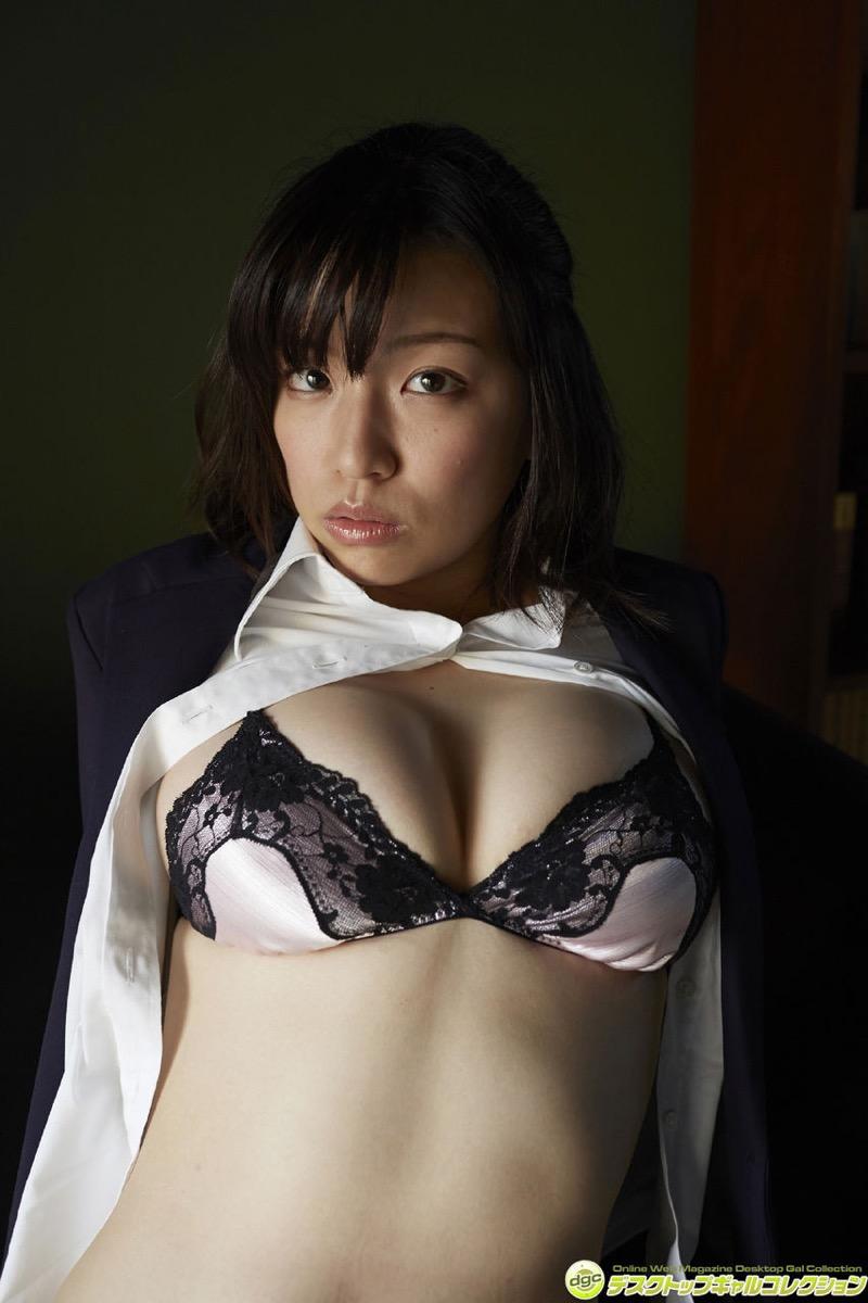 【辻柚音グラビア画像】消えたFカップ巨乳ボディグラビアアイドルの謎 29
