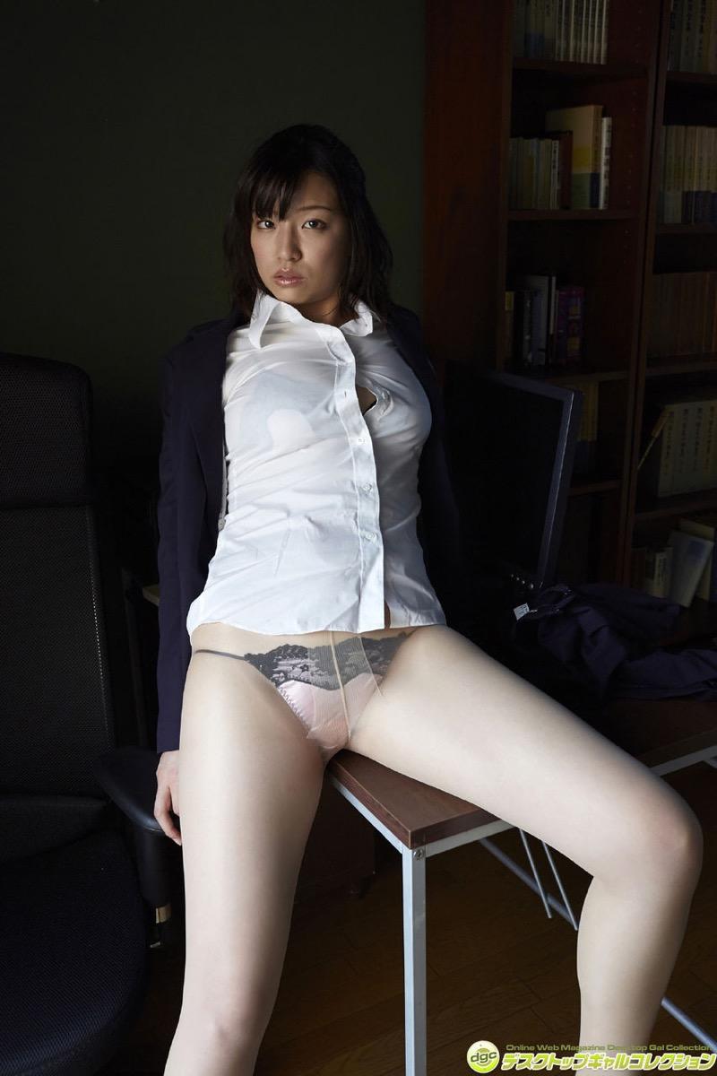 【辻柚音グラビア画像】消えたFカップ巨乳ボディグラビアアイドルの謎 31