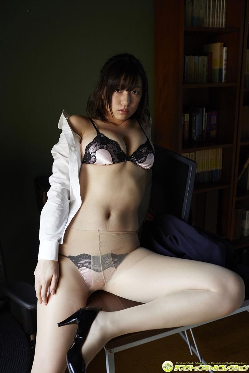 【辻柚音グラビア画像】消えたFカップ巨乳ボディグラビアアイドルの謎 33
