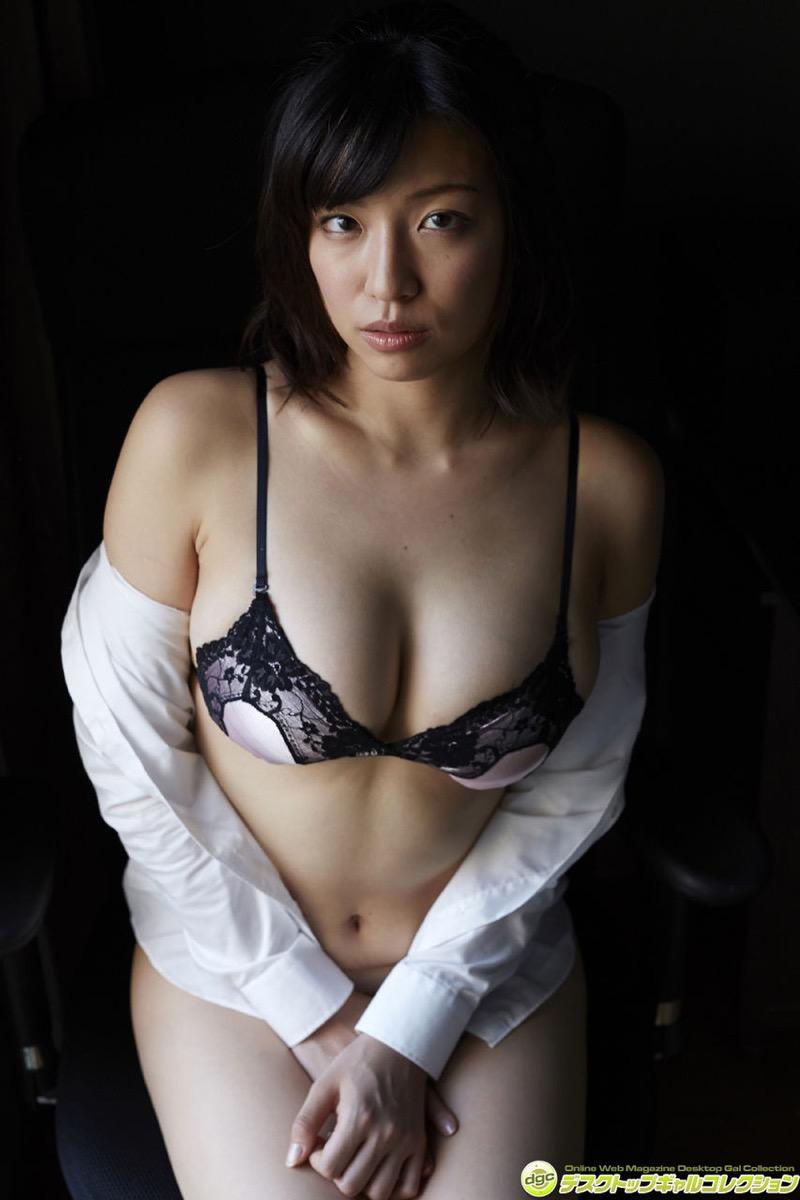 【辻柚音グラビア画像】消えたFカップ巨乳ボディグラビアアイドルの謎 34