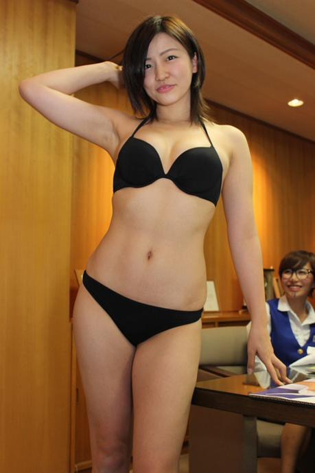 【辻柚音グラビア画像】消えたFカップ巨乳ボディグラビアアイドルの謎 65
