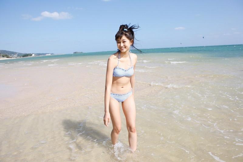 【和田彩花グラビア画像】元ハロプロアイドルの可愛くて健康的なビキニ姿 13